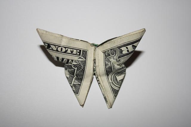 money-994845_640